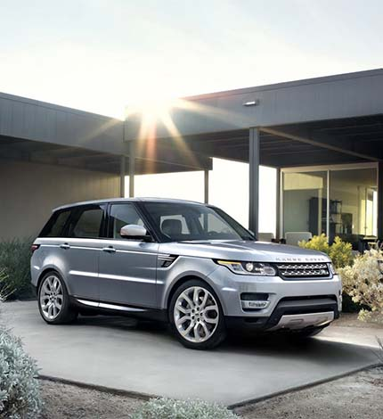 le nouveau range rover sport d voil par daniel craig. Black Bedroom Furniture Sets. Home Design Ideas